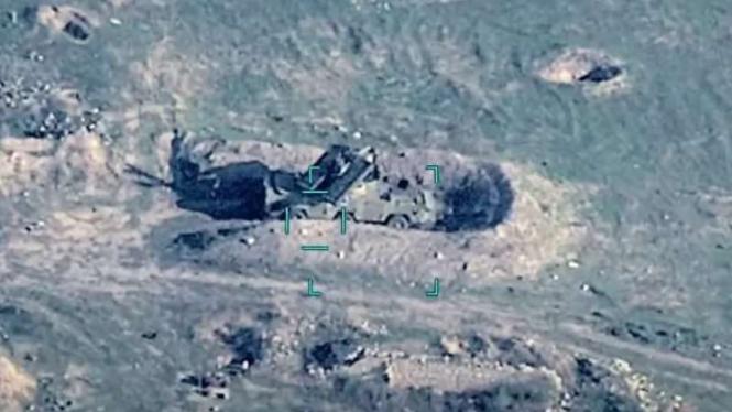 VIVA Militer: Artileri militer Armenia hancur dihantam roket Azerbaijan