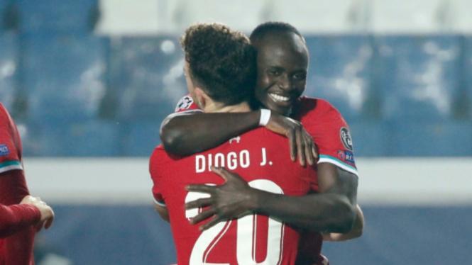 Dua pemain depan Liverpool, Diogo Jota dan Sadio Mane