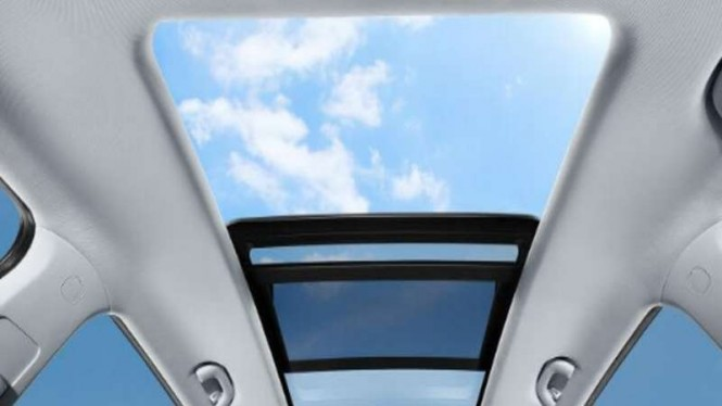 Ilustrasi panoramic sunroof