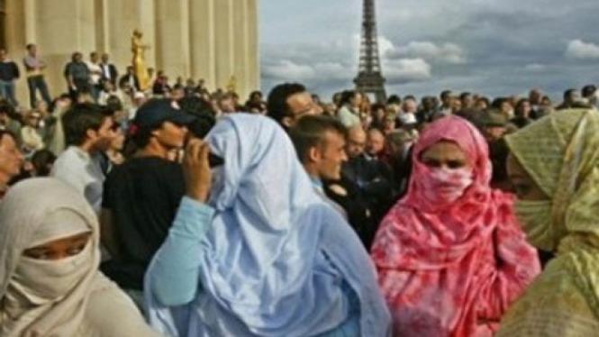 Provokasi Lagi, Poster Film di Bus Prancis Lecehkan Islam