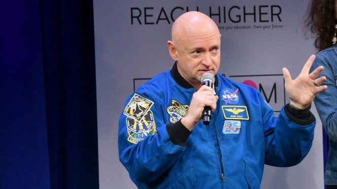 Mantan astronot NASA, Mark Kelly.