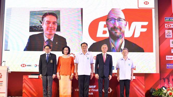 Penandatangan kesepakatan turnamen Seri Asia oleh BWF dan BAT.
