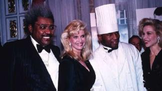Mike Tyson saat merayakan ulang tahun ke-30