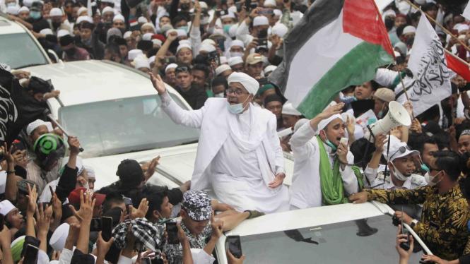 Imam Besar FPI Habib Rizieq Shihab tiba di Petamburan