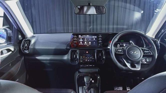 Interior Kia Sonet yang dijual di Indonesia.