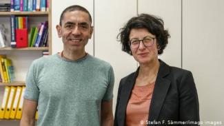 Ugur Sahin dan istrinya Özlem Türeci adalah dua ilmuwan Jerman keturunan Turki yang ada di balik sukses Biontech yang siap luncurkan vaksin Corona pertama di dunia.