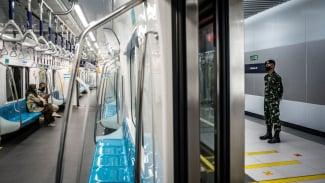Transportasi umum MRT di Jakarta.
