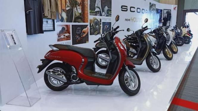Model terbaru skutik Honda Scoopy
