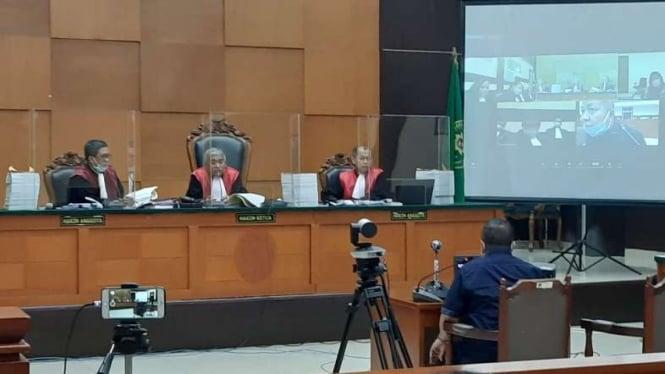 Tommy Sumardi, rekan Djoko Tjandra, dihadirkan sebagai saksi dalam persidangan kasus surat jalan palsu milik Djoko Tjandra di Pengadilan Negeri Jakarta Timur pada Jumat, 13 November 2020.