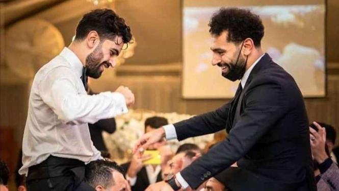 Mohamed Salah saat hadiri pernikahan saudaranya