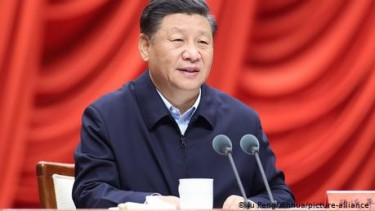 https://thumb.viva.co.id/media/frontend/thumbs3/2020/11/14/5faf9c59db9a6-presiden-xi-jinping-hentikan-ipo-ant-group-milik-jack-ma_375_211.jpg
