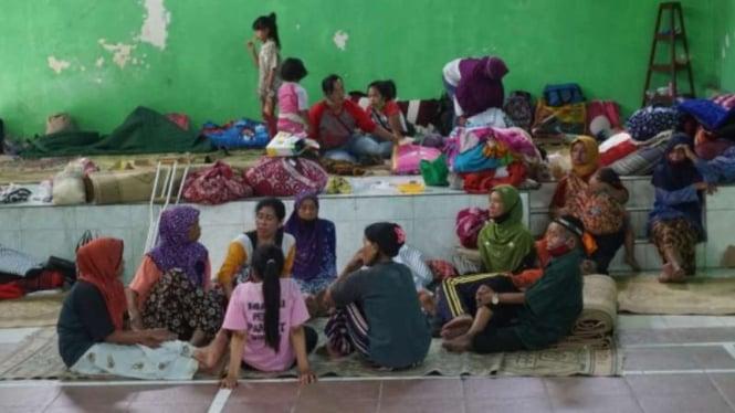 Salah satu posko pengungsian Gunung Merapi.