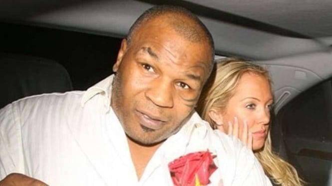 Mike Tyson dan mantan kekasihnya, Aisleyne Horgan-Wallace