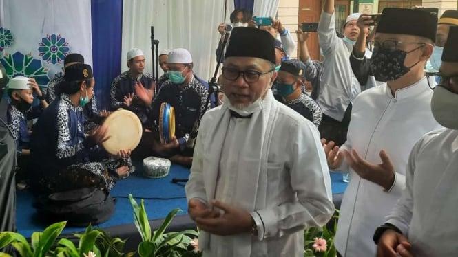 Ketua Umum PAN sekaligus Wakil Ketua MPR, Zulkifli Hasan, di sela Peringatan Maulid Nabi di kompleks Yayasan Islamic Center Al Ghazaly, Kota Bogor, Jawa Barat, Minggu, 15 November 2020.