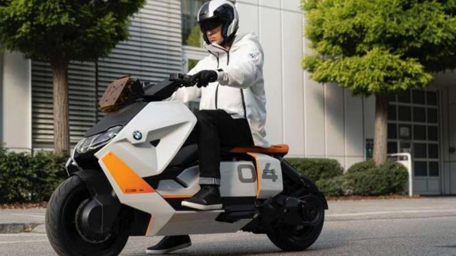 Skuter listrik BMW Motorrad Definition CE 04