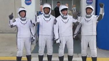 https://thumb.viva.co.id/media/frontend/thumbs3/2020/11/16/5fb22f7411d13-peluncuran-awak-nasa-dengan-roket-spacex-apa-yang-akan-dilakukan-para-astronot-di-stasiun-luar-angkasa_375_211.jpg