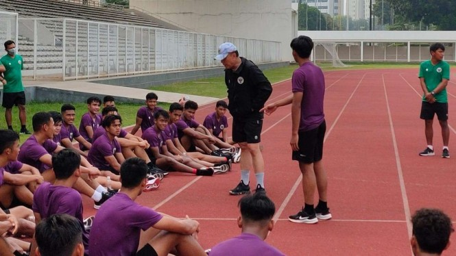 Ketua Umum PSSI, Mochamad Iriawan saat beri arahan Timnas Indonesia U-19