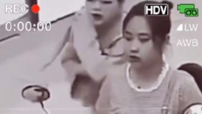 Perempuan pengendara motor yang jadi korban begal