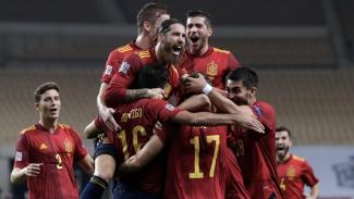 Pemain Timnas Spanyol melakukan selebrasi usai bobol gawang Jerman