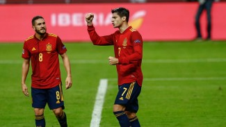 Striker Timnas Spanyol, Alvaro Morata (kanan) merayakan gol