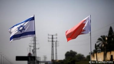 https://thumb.viva.co.id/media/frontend/thumbs3/2020/11/20/5fb7293927684-israel-dan-bahrain-sepakati-pembukaan-kedutaan-dan-visa-kunjungan-online_375_211.jpg