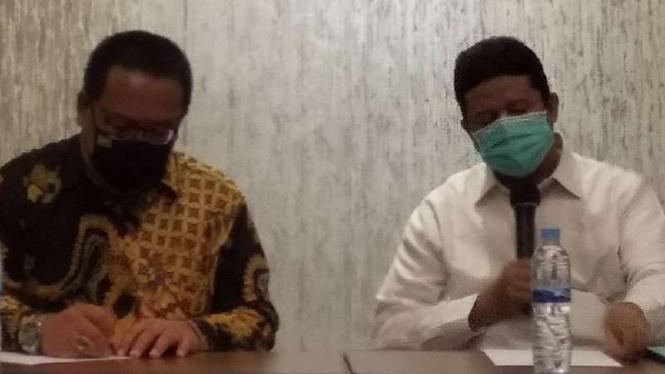 Ketua DKPP, Prof. Muhammad (kanan)