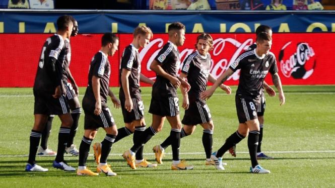 Pemain Real Madrid merayakan gol.