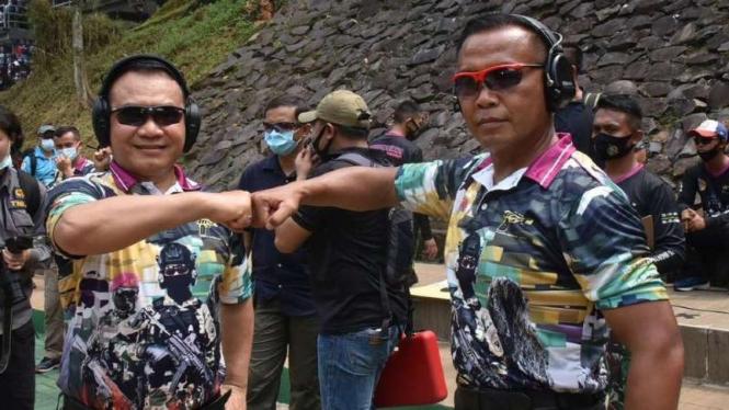 VIVA Militer: Mayjen TNI Dudung dan Mayjen TNI Suhartono.