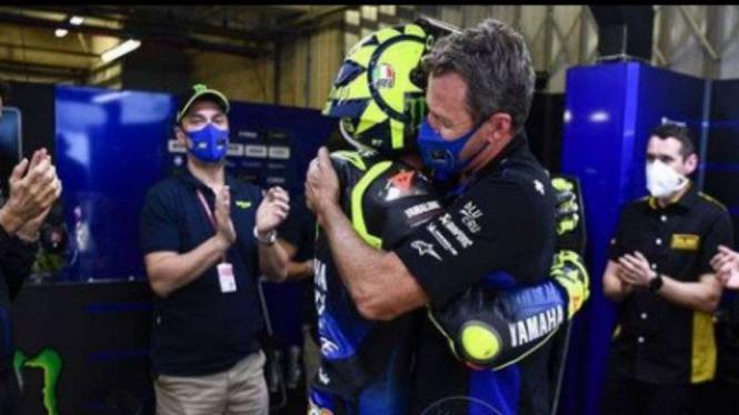 Momen haru Valentino Rossi di Monster Energy Yamaha.