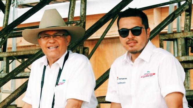 Helmy Sungkar dan putranya, Rifat Sungkar