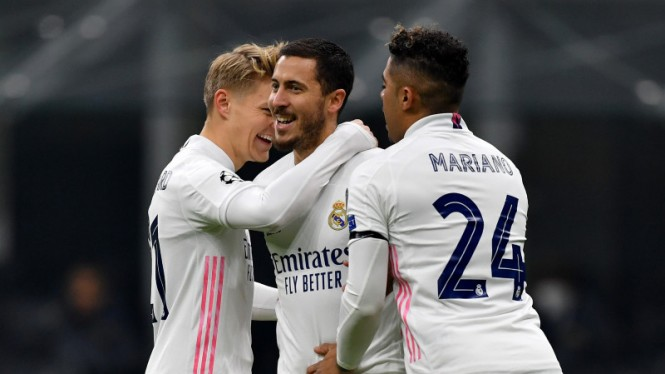 Bintang Real Madrid, Eden Hazard, rayakan gol ke gawang Inter Milan