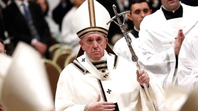 China Tepis Kritik Paus Fransiskus soal Muslim Uighur
