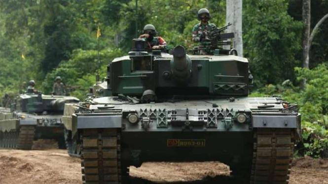 VIVA Militer: Pasukan TNI AD dari Kostrad Divisi 2