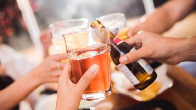 5 Minuman yang Bisa Bikin Asam Urat Kambuh