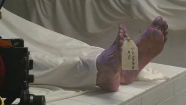 https://thumb.viva.co.id/media/frontend/thumbs3/2020/11/27/5fc0661882da6-disangka-sudah-meninggal-seorang-pria-hidup-lagi-di-kamar-jenazah_375_211.jpg