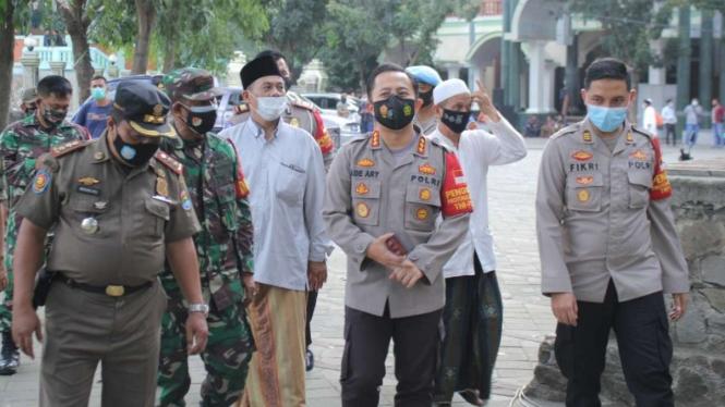 TNI-Polri cek kesiapan Haul di Pesantren Al-Istiqlaliyyah Kampung Cilongok.