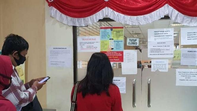 Kantor Dinas Kependudukan dan Catatan Sipil (Disdukcapil) Kota Depok ditutup