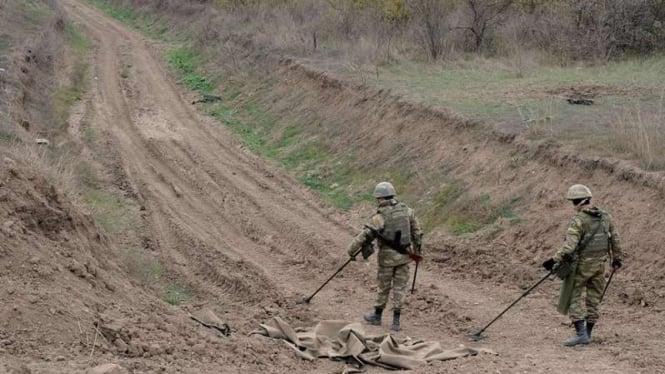 VIVA Militer: Tentara Azerbaijan menyisir ranjau