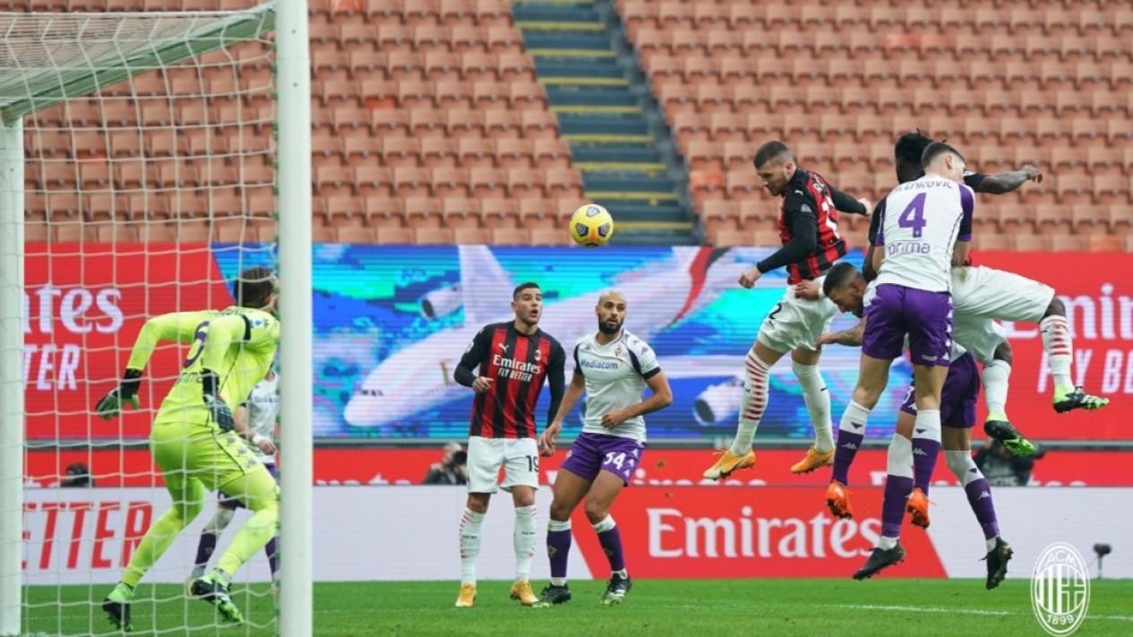 Pertandingan Serie A 2020/2021 antara AC Milan vs Fiorentina.