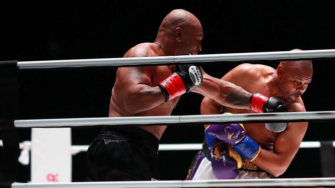 Duel Mike Tyson vs Roy Jones Jr