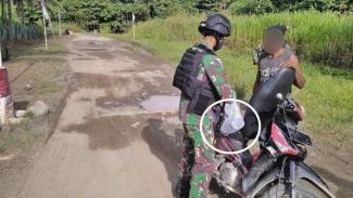 VIVA Militer: Prajurit  Yonif Mekanis Raider 413/Kostrad sweeping pemotor.