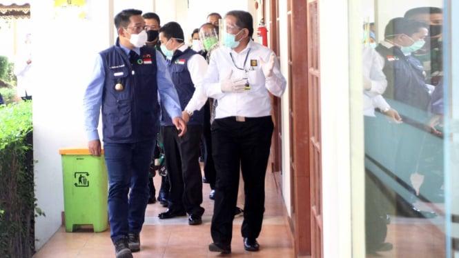 Ridwan Kamil Kunjungi Tempat Isolasi Pasien COVID-19