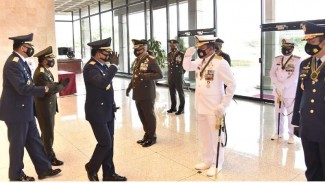 VIVA Militer: Panglima TNI sematkan Bintang Dharma kepada 10 Perwira Tinggi TNI