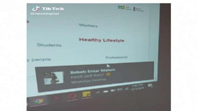 Push notif WA di layar monitor saat presentasi