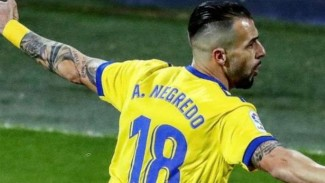 Striker Cadiz, Alvaro Negredo.