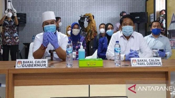 Calon Wakil Gubernur Bengkulu Muslihan Diding Sutrisno (kanan)