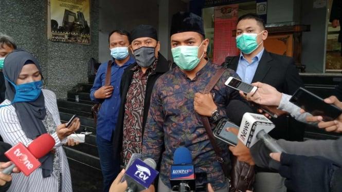 Kuasa hukum Munarman, Aziz Yanuar.