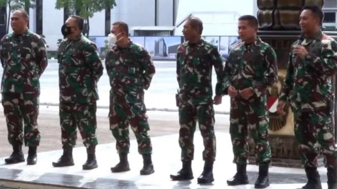 VIVA Militer: Jenderal TNI Andika Perkasa bersama sejumlah Dandim