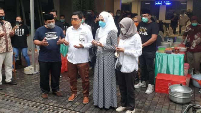 Cawalkot Surabaya Machfud Arifin dan istri, Lita Machfud.