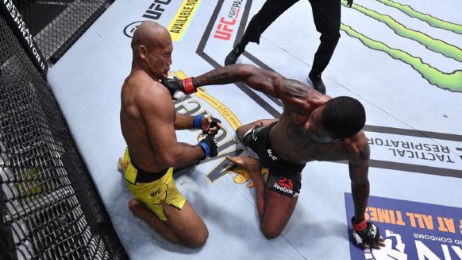 Aksi Kevin Holland di UFC 256, hantam KO lawan sambil tiduran